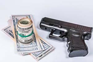 Обои Пистолетом Деньги Банкноты Доллары Серый фон