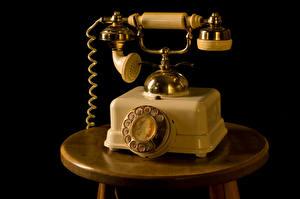 Обои Ретро Черный фон Телефон Природа картинки