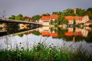 Фотографии Реки Мост Здания Германия Трава Landsberg am Lech, Lech river Города