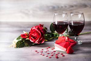 Картинки Розы День святого Валентина Вино Подарки Сердце Бокалы Цветы Еда