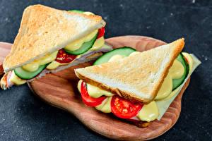Фото Сэндвич Хлеб Разделочной доске 2 Пища