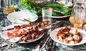 Фотографии Шашлык Сок Тарелке Стакана Продукты питания