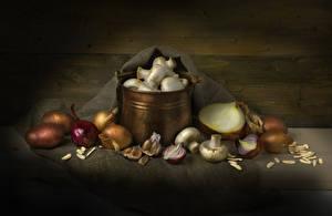 Картинка Натюрморт Картошка Лук репчатый Чеснок Грибы Продукты питания Еда