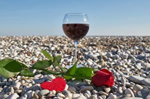 Картинка Камень Розы День всех влюблённых Бокал Сердце