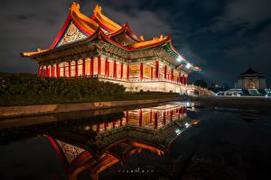 Обои Тайвань Храм Пагоды Пруд В ночи город