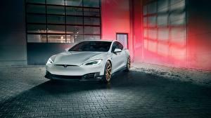 Фотография Tesla Motors Белый Model S Novitec 2017 машины