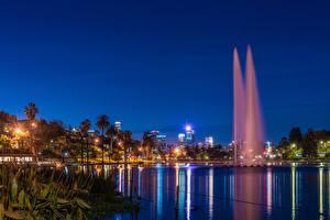Картинка Америка Парк Озеро Фонтаны Калифорнии Лос-Анджелес Пальма Ночь Лучи света Echo Park Lake Природа Города