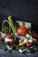 Фотографии Овощи Тыква Помидоры Чеснок Смородина Горох Натюрморт Пища