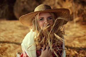 Фотографии Пшеница Шляпе Миленькие Колос Смотрит Anastasia Slastnikova Девушки