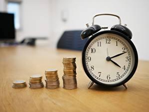 Фотография Монеты Деньги Часы Циферблат Будильник Боке