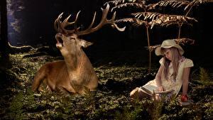Обои Олени Девочка Сидящие Шляпы Книги С рогами животное