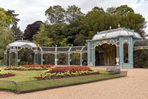 Картинки Англия Сады Газоне Забора Waddesdon Manor gardens Природа