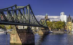 Фото Франкфурт-на-Майне Германия Здания Реки Мост город