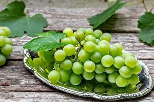 Фотография Виноград Вблизи Доски Зеленая Продукты питания