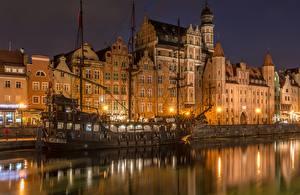 Фотография Здания Гданьск Польша Корабли Парусные Ночь Водный канал Old Town Motława River город
