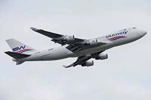 Обои Пассажирские Самолеты Боинг Сбоку 747-400F, Silk Way West Airlines