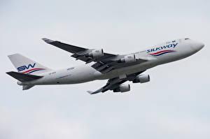 Обои Пассажирские Самолеты Боинг Сбоку 747-400F, Silk Way West Airlines Авиация