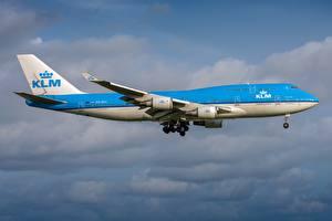 Картинки Пассажирские Самолеты Боинг Сбоку KLM Royal Dutch Airlines, 747-400