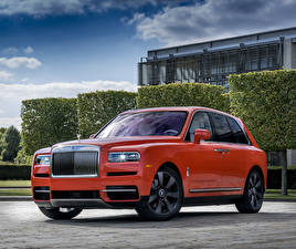 Фотографии Rolls-Royce Оранжевая Металлик 2019 Cullinan Fux Orange