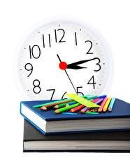 Обои Школьные Часы Белый фон Книги Карандаши