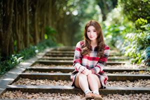 Фото Азиатки Боке Сидя Шатенка Ног Миленькие Девушки