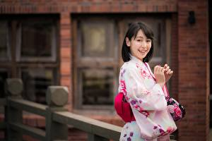Фото Азиаты Боке Улыбка Кимоно молодая женщина