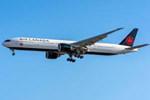 Обои Boeing Пассажирские Самолеты Сбоку 777-300ER Air Canada Авиация