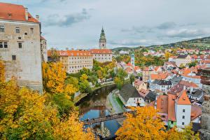 Картинки Чехия Дома Реки Мосты Осенние Krumlov город