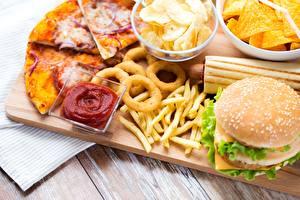 Обои для рабочего стола Быстрое питание Пицца Картофель фри Гамбургер Кетчупом Чипсы Пища