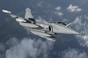 Картинки Самолеты Истребители Летящий Французские Dassault Rafale Rafale D MBDA MICA Авиация