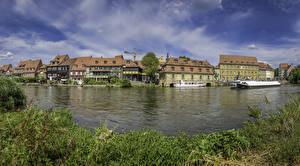 Обои для рабочего стола Германия Здания Речка Пирсы Речные суда Bamberg город