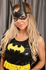 Фото Маски Bethany M Only Бэтмен герой Блондинка Взгляд Латекс девушка