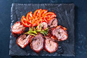 Фото Мясные продукты Томаты Нарезка Пища