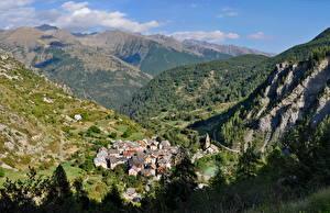 Фотографии Горы Франция Скала Деревня Альпы Saint-Dalmas Le Selvage город