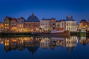 Обои для рабочего стола Голландия Вечер Здания Катера Отражении Maassluis город