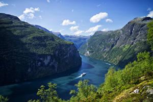 Картинка Норвегия Гора Залив Скалы Фьорд Geiranger Fjord Природа