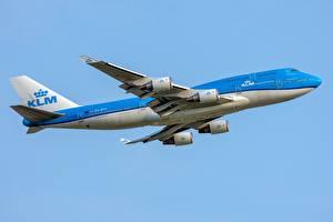 Картинки Пассажирские Самолеты Боинг Сбоку 747-400M KLM Авиация