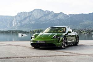 Картинки Порше Зеленых Металлик Turbo S 2020 Taycan