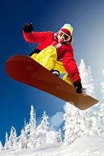 Картинка Сноуборд Мужчины Шапки Очки Куртка Прыжок Спорт