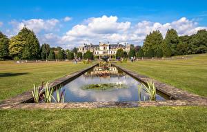 Картинки Великобритания Парки Фонтаны Пруд Газон Кустов Dyffryn Gardens Природа