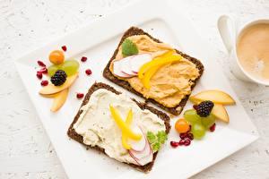 Фото Ягоды Хлеб Бутерброды Завтрак Продукты питания