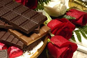 Обои для рабочего стола Шоколад Шоколадка Розы Продукты питания