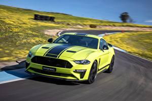 Картинка Форд Салатовая Едущий Mustang AU-Spec R-Spec 2019 Australia version