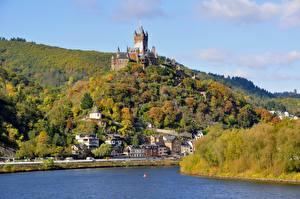Фотографии Германия Река Осень Замки Кохем Холмы river Moselle, Reichsburg castle город