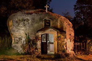 Фотографии Германия Храмы Церковь В ночи Felsenkirche