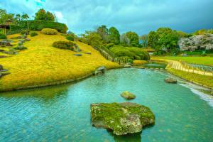 Картинка Япония Парки Камни HDRI Водный канал Мха Дизайн Okayama Korakuen