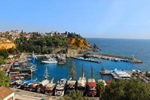 Обои Пирсы Катера Побережье Турция Бухта Antalya город