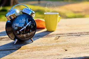 Обои для рабочего стола Утро Часы Будильник Боке Кружки