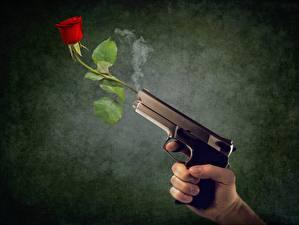 Фотография Пистолет Роза Руки Дым цветок