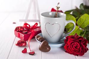 Картинки Розы День всех влюблённых Конфеты Чашке Цветы